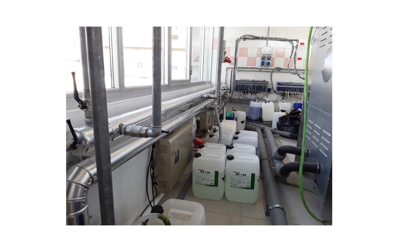 Impianto dosaggio automatico con sistema generazione ozono Specialist ActivO3 - Impianto dosaggio automatico con sistema generazione ozono Specialist ActivO3