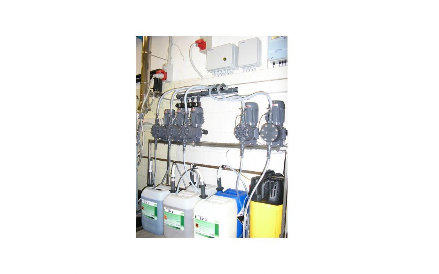 Impianto dosaggio multimacchina automatico lavanderia Specialist 130 l/h  - Lavanderia ospedale - Impianto dosaggio multimacchina automatico lavanderia Specialist 130 l/h  - Lavanderia ospedale